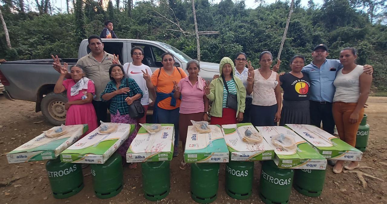 Gobierno continúa entrega de cocinas en Caribe Norte Managua. Radio La Primerísima