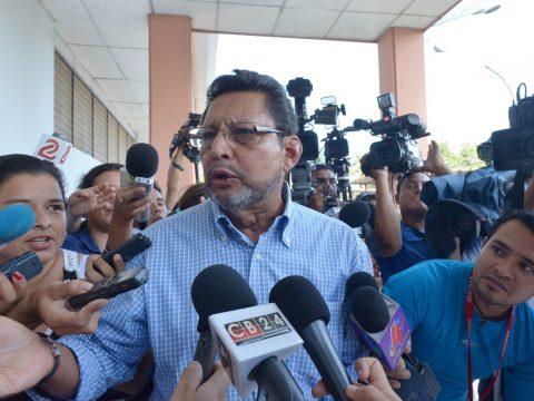 Nueva ley sólo inhibe a traidores, afirma Bayardo Arce Managua. Radio La Primerísima