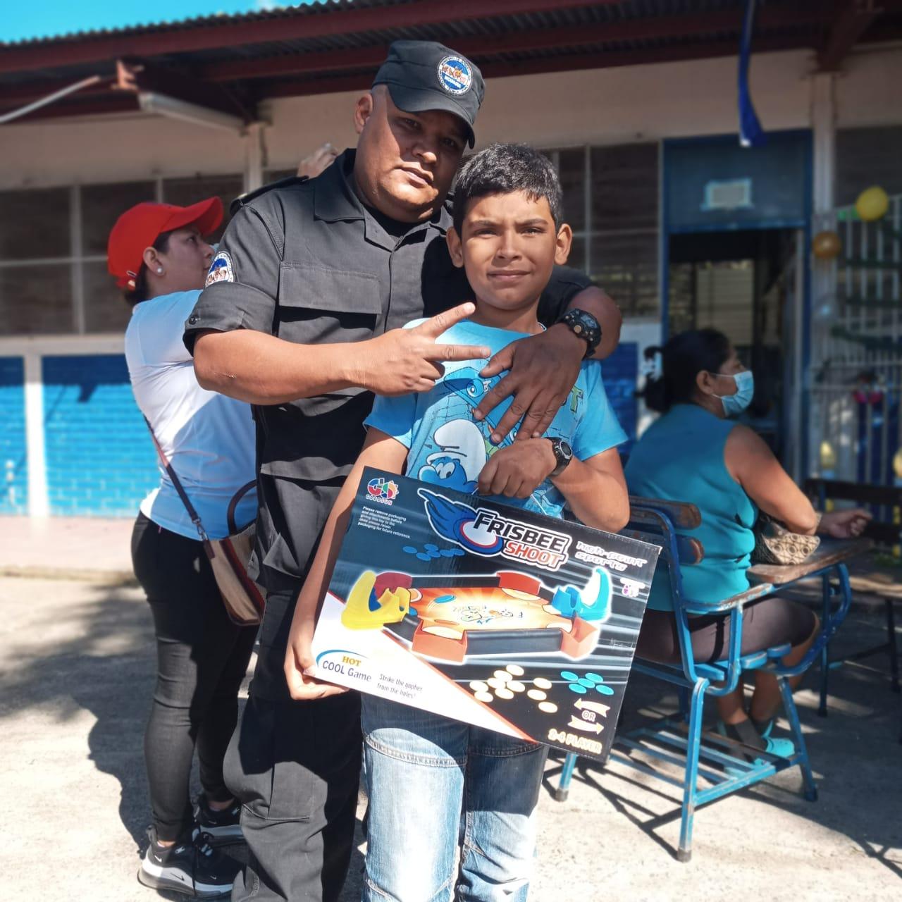 Avanza entrega de juguetes en todo el país Managua. Radio La Primerísima