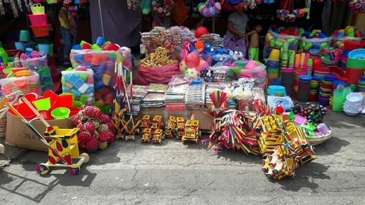 Comercio se prepara para este fin de semana largo Managua. Radio La Primerísima