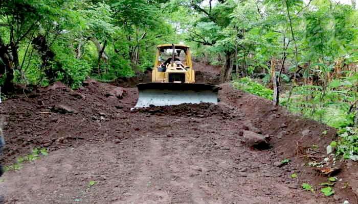 Rehabilitan caminos rurales en Nagarote Managua. Radio La Perimerísima