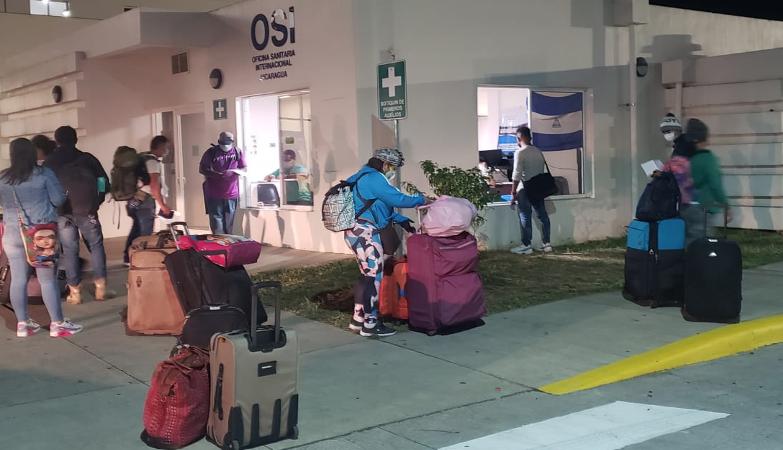 Llegan al país 304 nicaragüenses procedentes de Panamá Managua. Radio La Primerísima