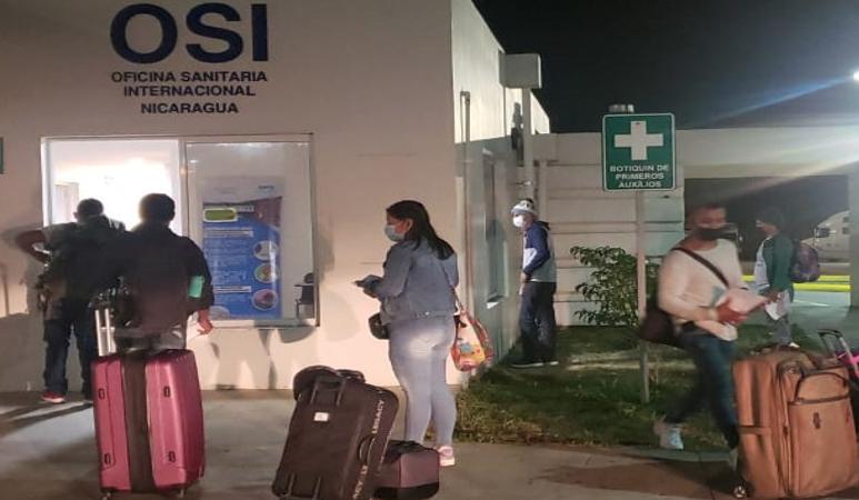 Más nicaragüenses ingresan al país procedentes de Panamá Managua. Radio La Primerísima