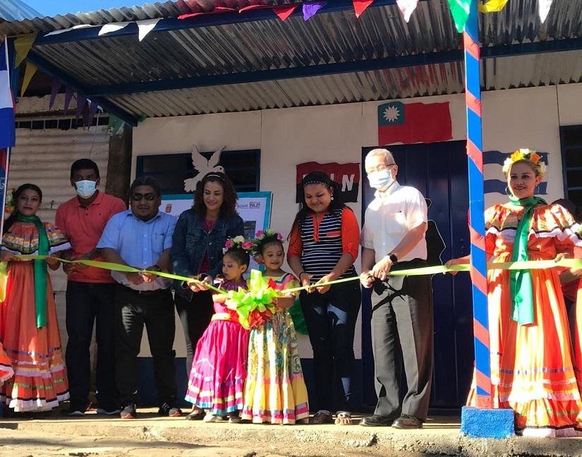 Entregan vivienda digna en barrio Naciones Unidas Managua. Radio La Primerísima