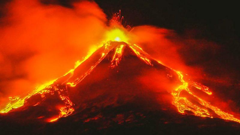 Espectaculares imágenes deja erupción del volcán Etna Managua. Radio La Primerísima