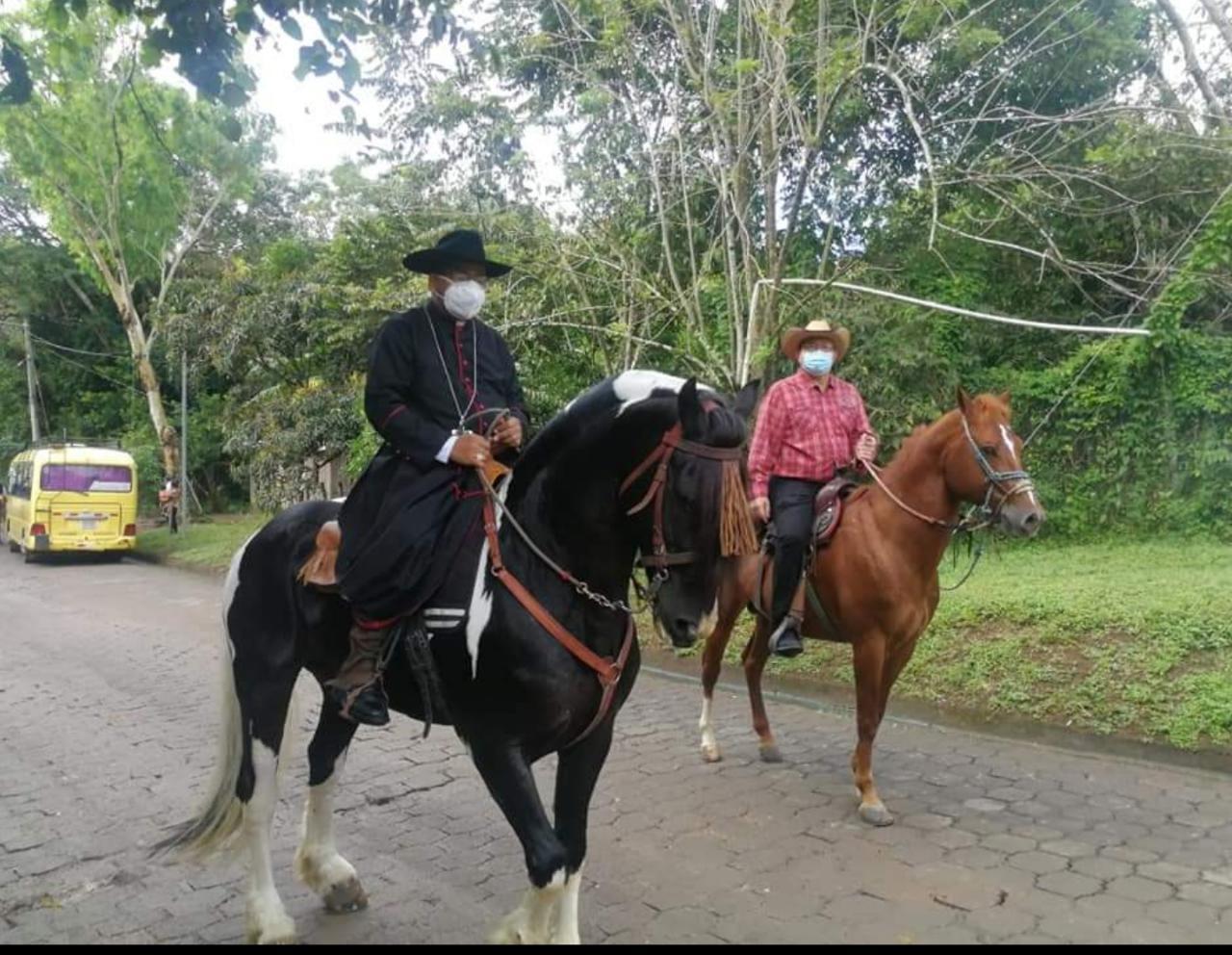Obispo de Juigalpa visita por primera vez San Pedro de Lóvago Managua. Radio La Primerísima