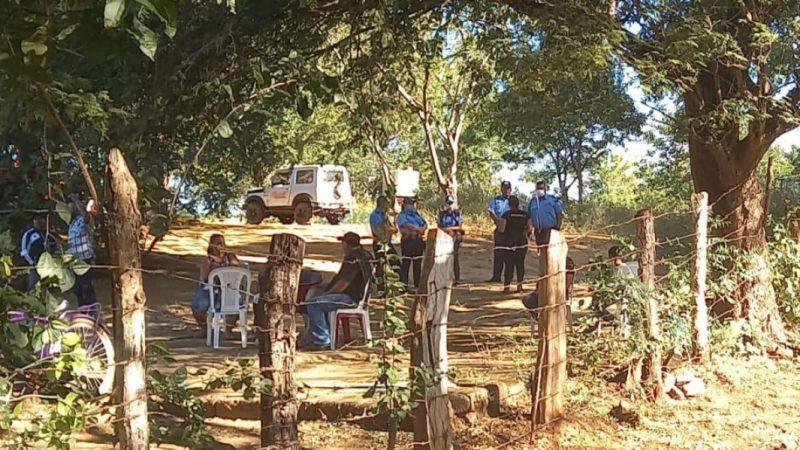 Joven es asesinado frente a la puerta de su casa en Carazo Managua. Radio La Primerísima