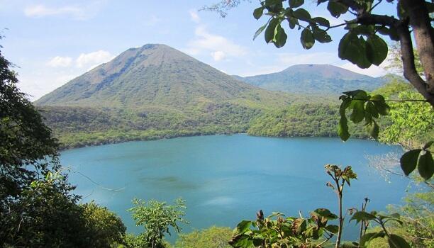 ENACAL normaliza servicio de agua potable en Distrito II y III de Managua Managua. Radio La Primerísima