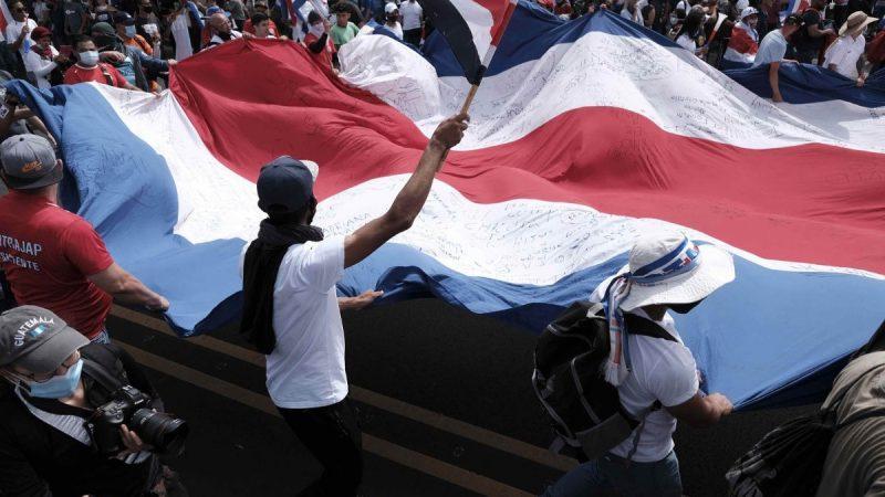 Sectores sociales y sindicales organizan protesta en Costa Rica San José. Prensa Latina