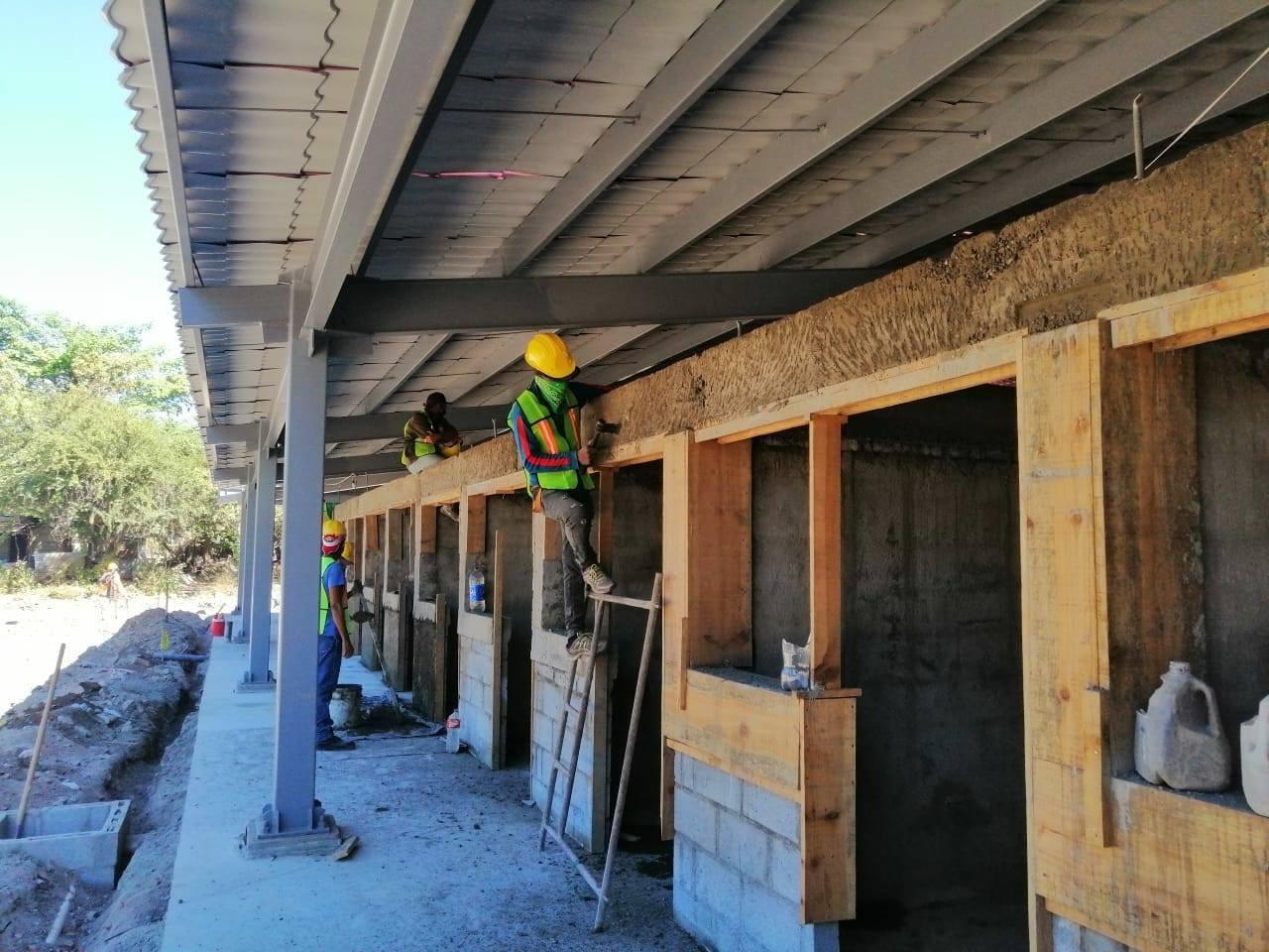 Supervisan construcción de módulos en El Guasaule Managua. Radio La Primerísima