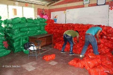 Llegan a Siuna 19 mil paquetes escolares Managua. Radio La Primerísima