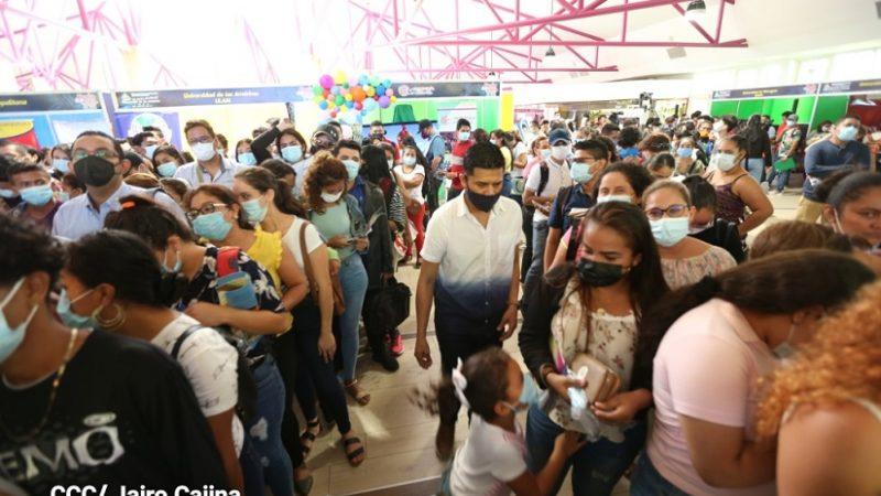 Otorgan más de 16 mil becas para estudiar en universidades Managua. Radio La Primerísima