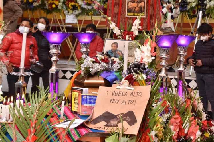 Multitud despide a destacado indígena en Bolivia La Paz. Prensa Latina
