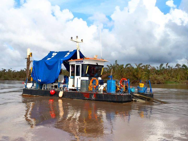 Barcos navegan con más fluidez en canales de Laguna de Perlas