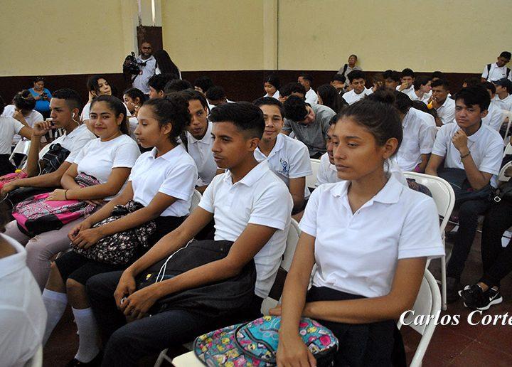 Comunidad escolar del Elvis Díaz lista para inicio de clases