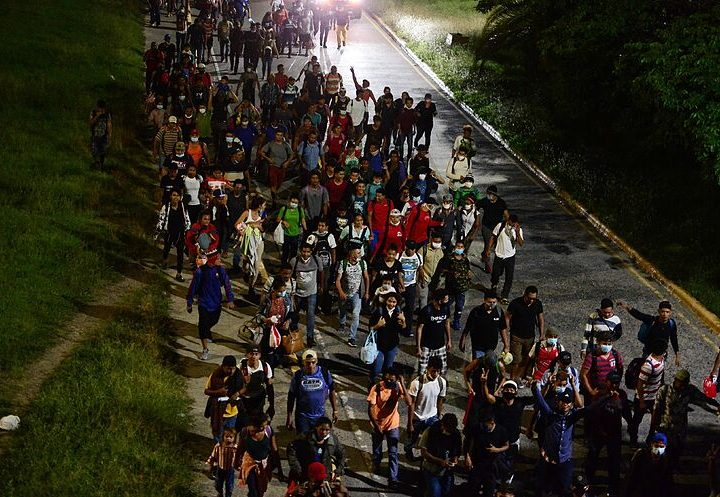 Obispos de Centroamérica exigen respeto hacia caravana de migrantes
