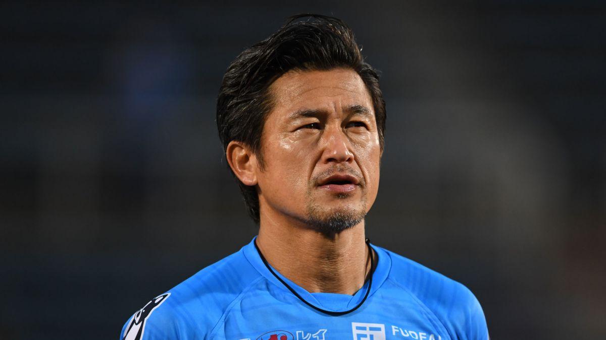 Futbolista japonés renueva contrato y jugará a los 54 años EFE