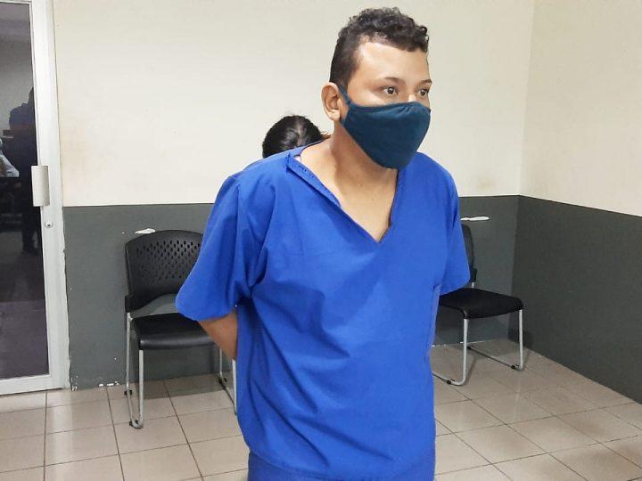 Dejan preso a sujeto que asaltó a trabajadora del Minsa
