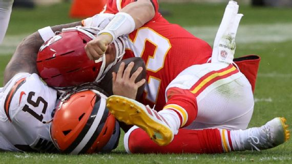 Chiefs pierden a Patrick Mahomes por conmoción ESPN