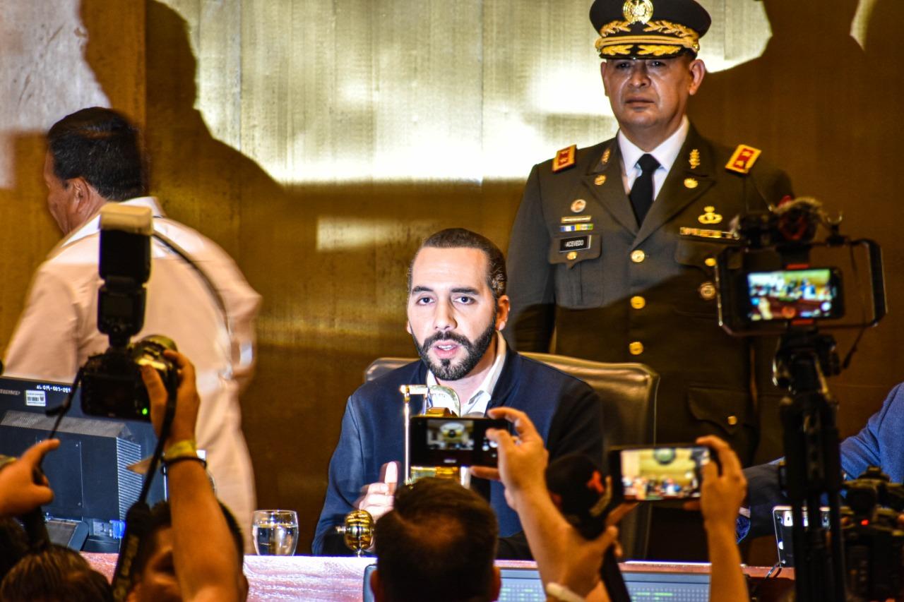 Los pasos de Bukele hacia una dictadura Por Ezequiel Barrera   Gato Encerrado, El Salvador