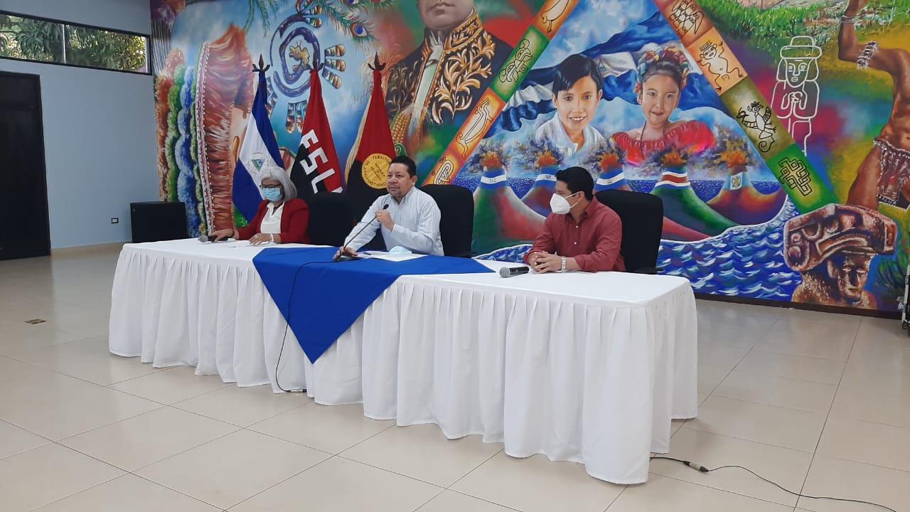 Mined entregará 607 mil libros a docentes del país Managua. Radio La Primerísima