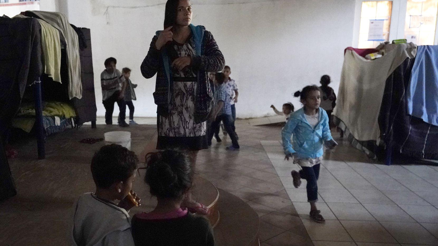 Reabren albergue para niños migrantes en Texas Agencia