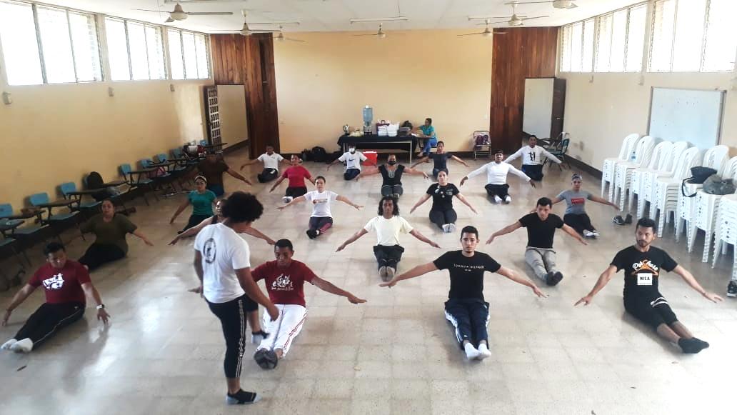 Instructores de escuelas municipales de danza son capacitados Managua. Radio La Primerísima