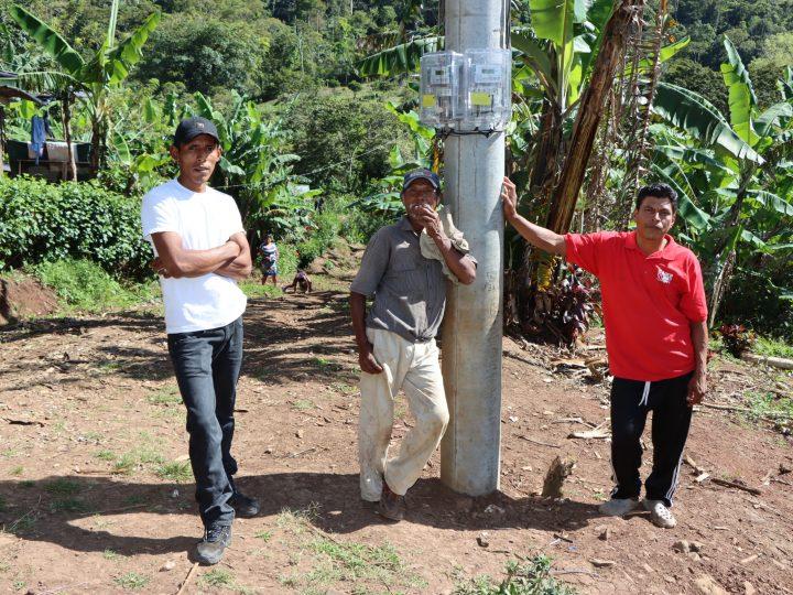 Más comunidades del Caribe Norte con energía eléctrica