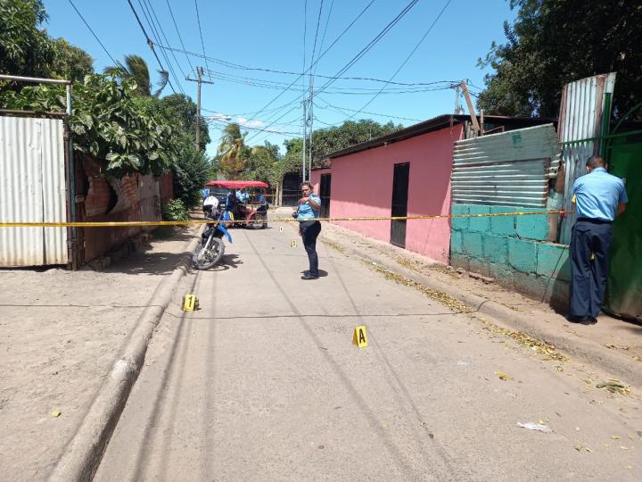Delincuente hiere con cuchillo a policía en Managua