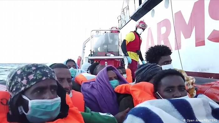 Llega a Sicilia un carguero italiano con 232 migrantes Agencia