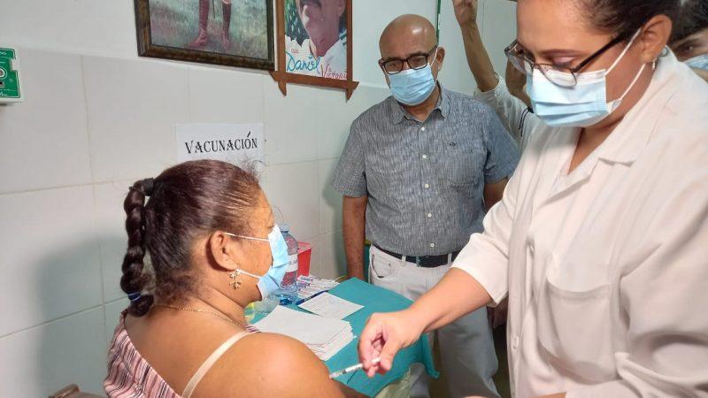 Chinandeganos inician a vacunarse contra el Covid-19 Managua. Radio La Primerísima