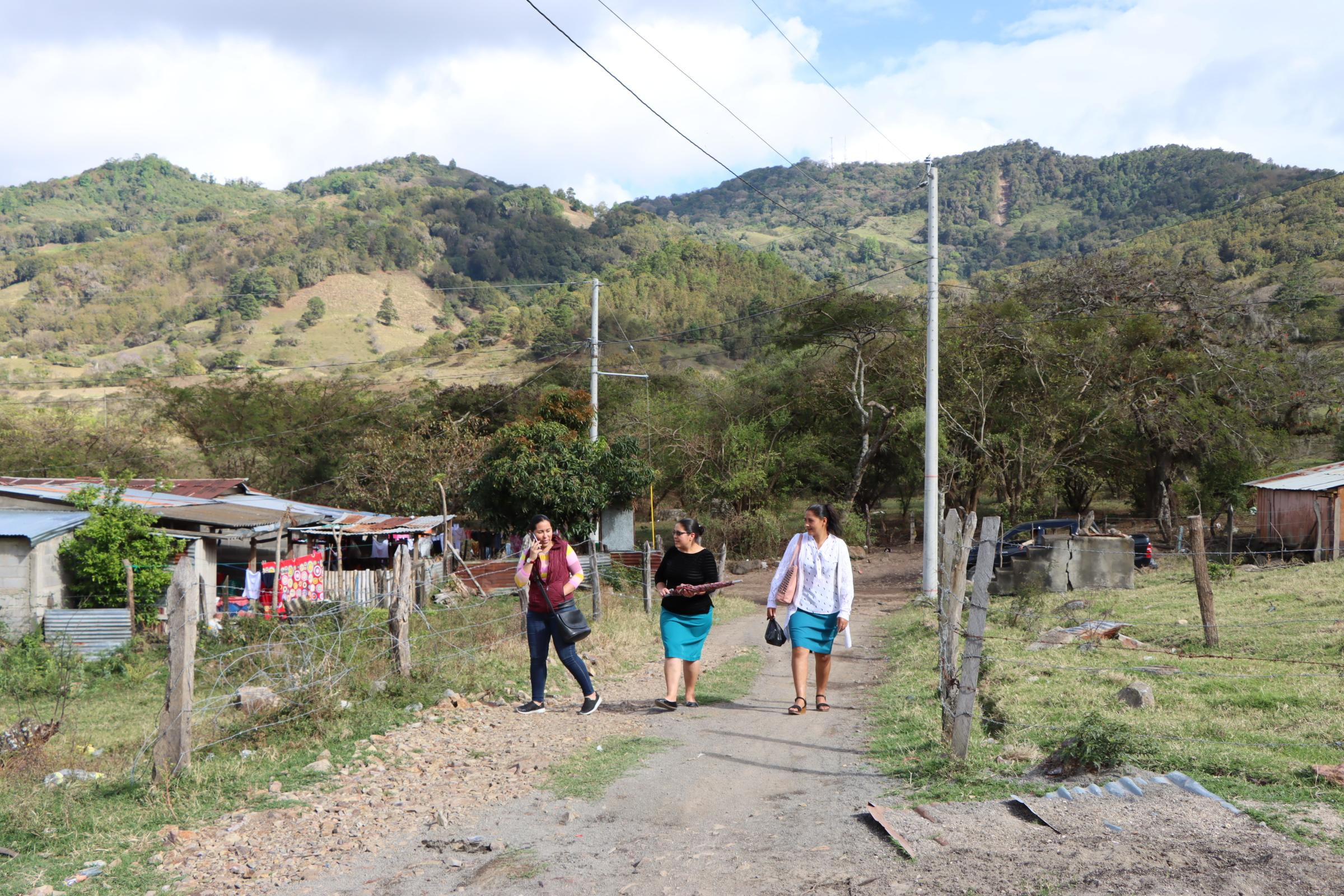 Energía eléctrica llega a más comunidades de Madriz Managua. Radio La Primerísima