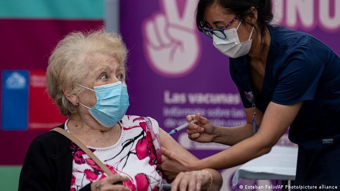 Chile retrocede a las peores cifras de Colvid-19 Santiago de Chile. Prensa Latina