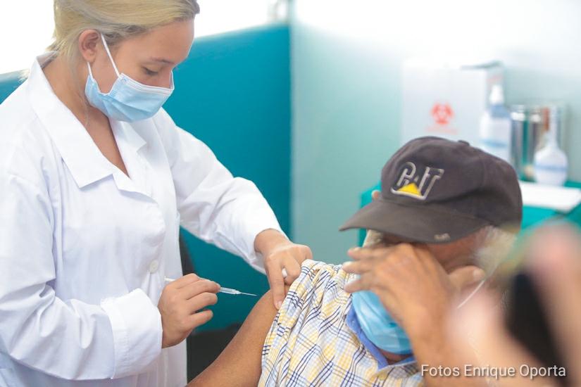 Realizan jornada de vacunación contra Covid-19 en Chinandega Managua. Radio La Primerísima