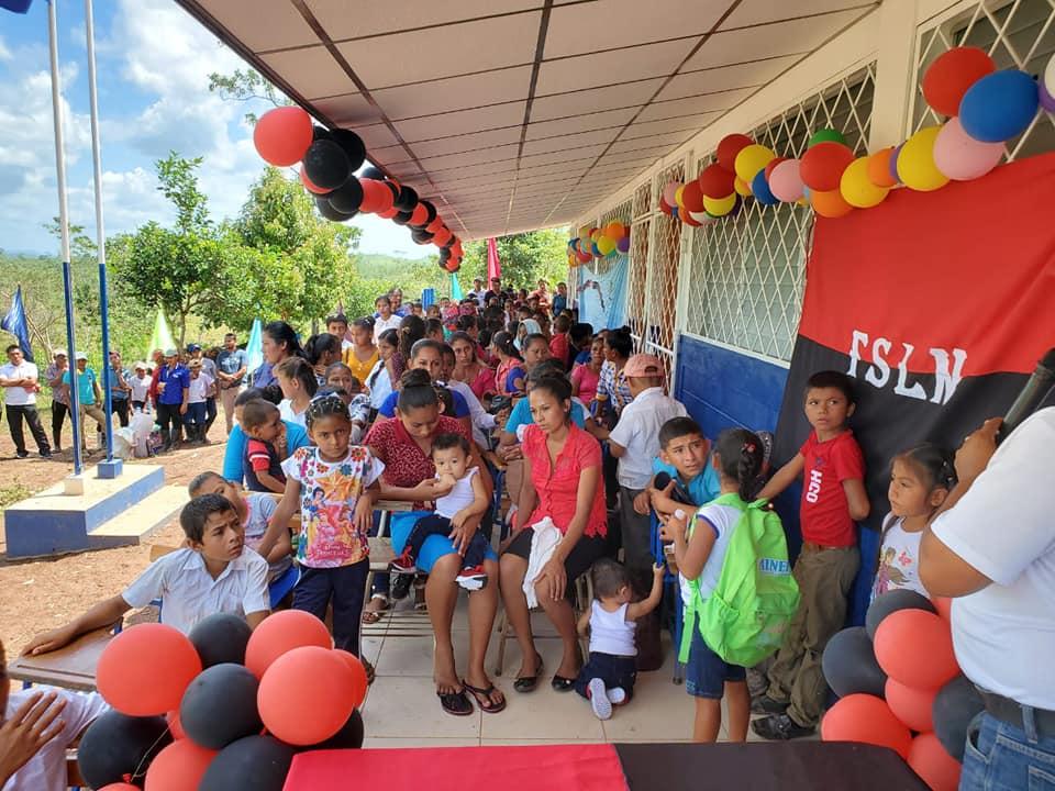 Inauguran escuela en municipio Rosita Managua. Radio La Primerísima