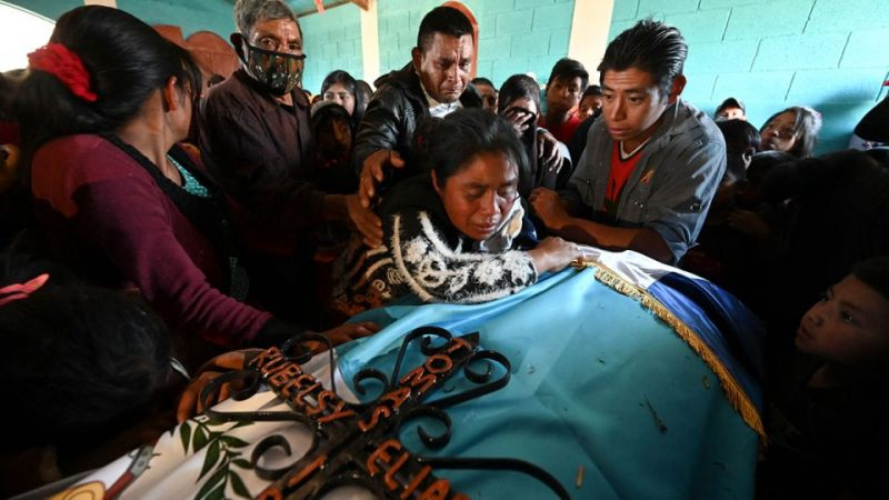 Guatemala entierra a víctimas de la masacre en Tamaulipas Agencia