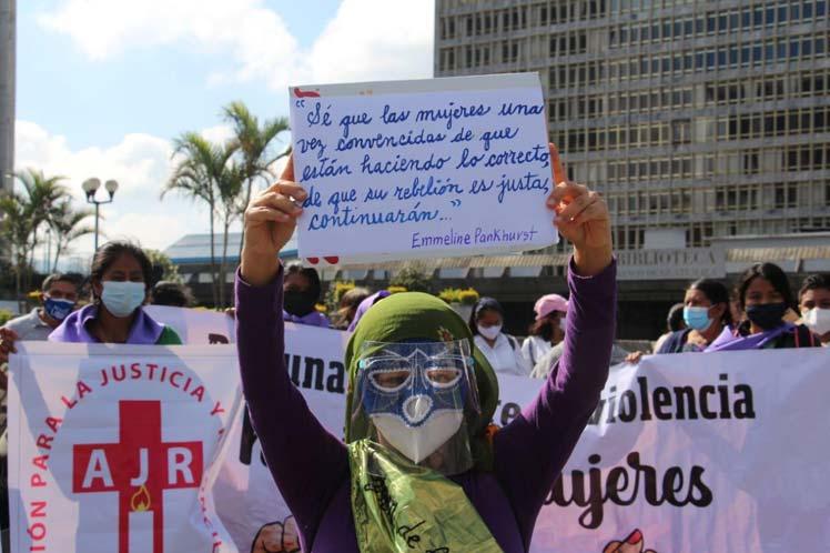 Guatemaltecas reafirman lema Vivas nos queremos Guatemala. Prensa Latina