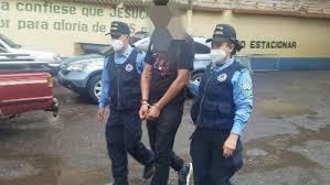 Detienen a hondureño por maltratar y quemar a su cónyuge Agencia
