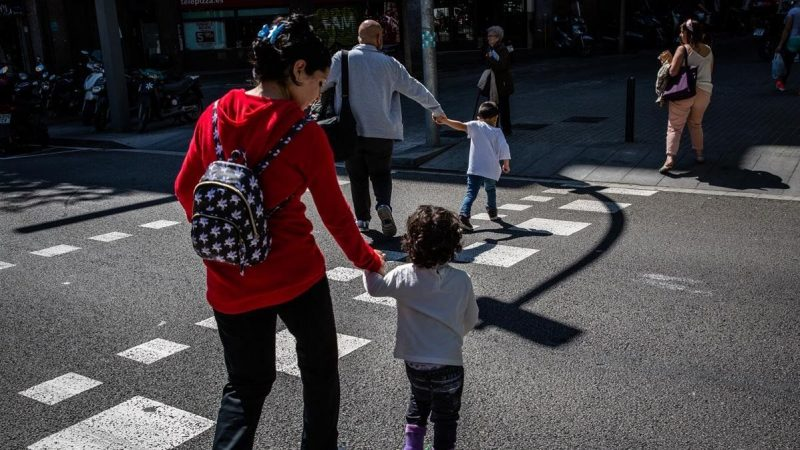 Altas cifras de migrantes refugiados en Barcelona se mantiene Agencia