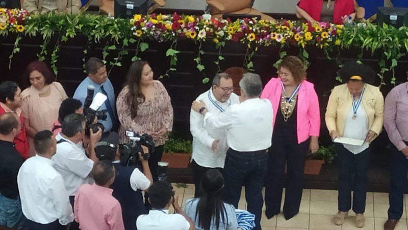 Otorgan Orden Rigoberto Cabezas a 19 periodistas destacados Managua. Radio La Primerísima