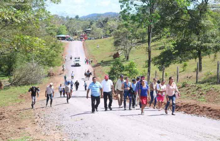 Reparan caminos en zonas productivas de Siuna Managua. Radio La Primerísima