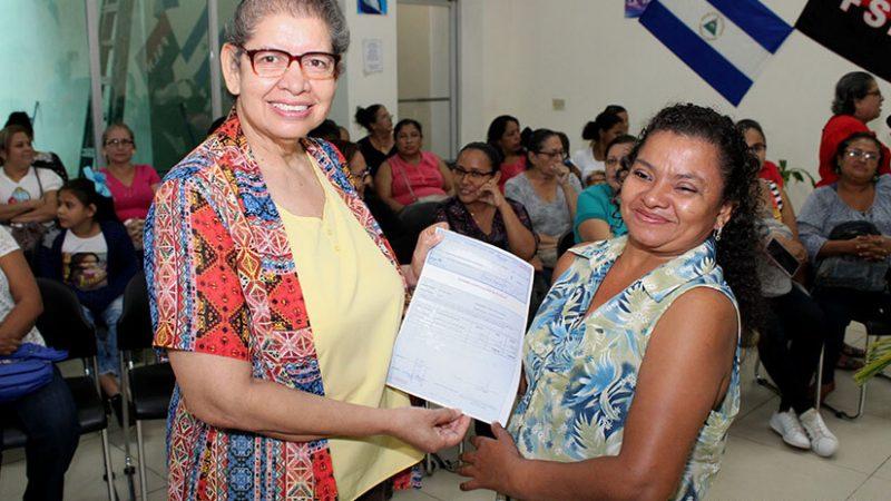 Usura Cero ha beneficiado más de 400 mil mujeres Managua. Por Libeth González/Radio La Primerísima