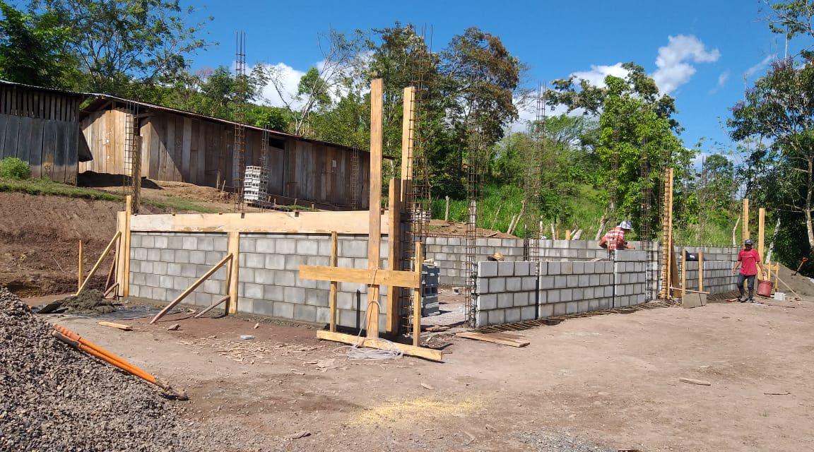 Construyen escuela en Waslala Managua. Radio La Primerísima