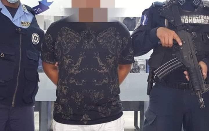 Detienen a nica con cocaína, crack y marihuana en Honduras Managua. Radio La Primerísima