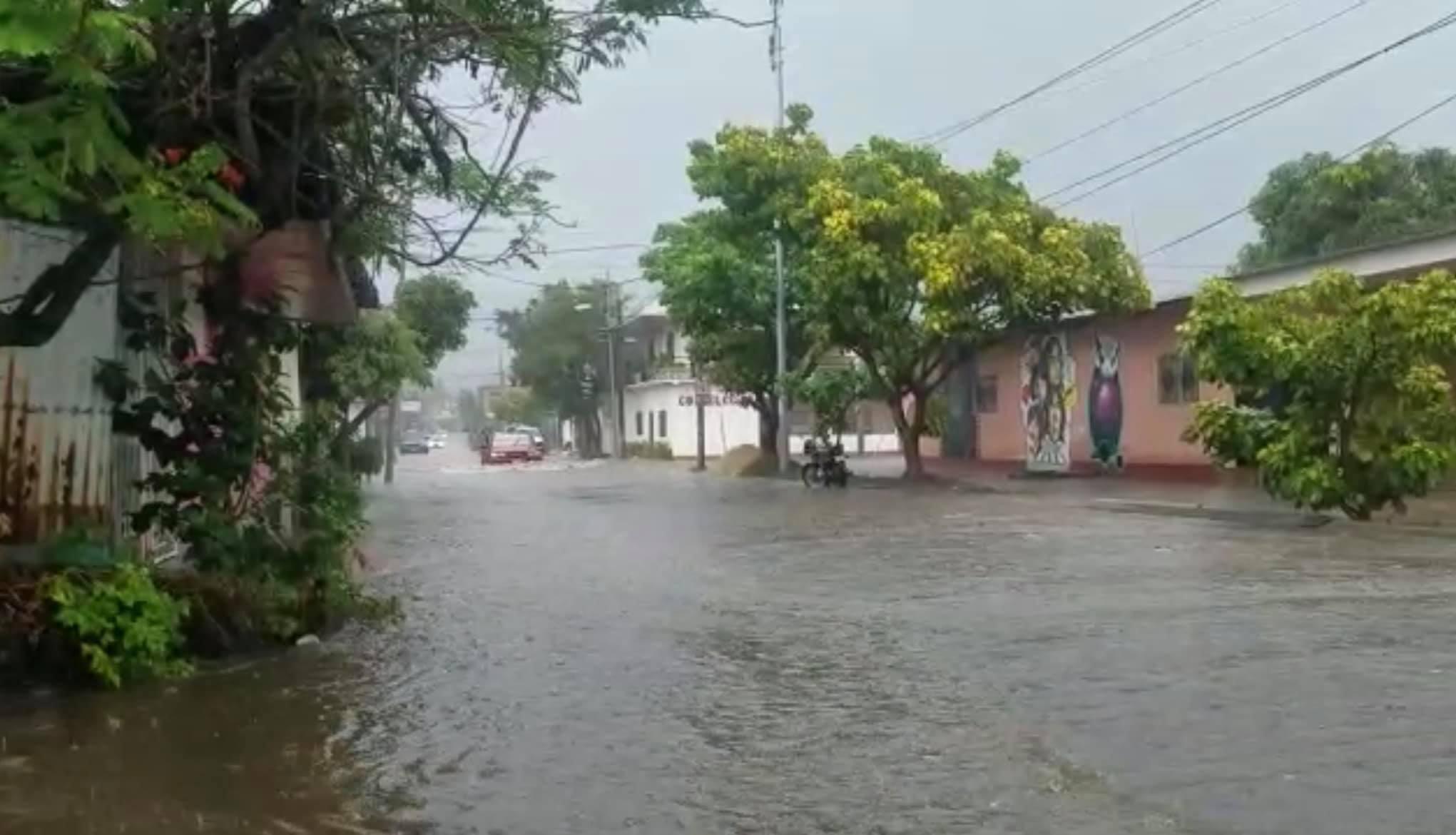 Cae granizo en Estelí Managua. Radio La Primerísima