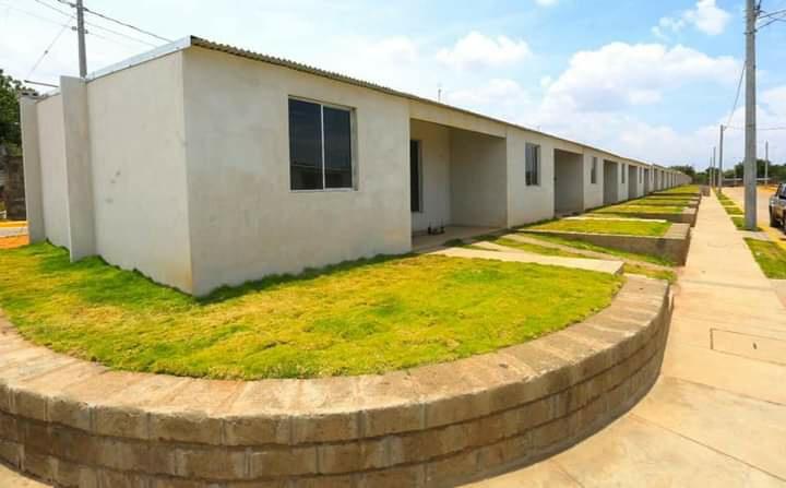 Entregarán viviendas a familias reubicadas por ampliación de pista Managua. Radio La Primerísima