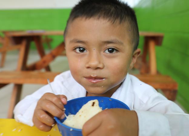 Unión Europea aporta más de 9 millones de dólares a Merienda Escolar Managua. Radio La Primerísima
