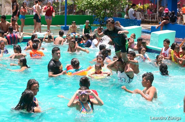 Familias disfrutan fin de semana en centro turístico Xilonem Managua. Radio La Primerísima