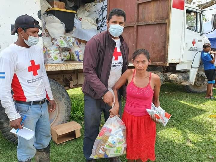 Llevan alimentos a una comunidad del Caribe Norte Managua. Radio La Primerísima