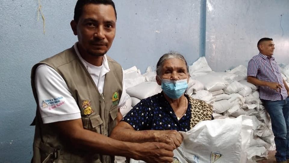 Entregan bonos tecnológicos a caficultores en Nueva Segovia Managua. Radio La Primerísima